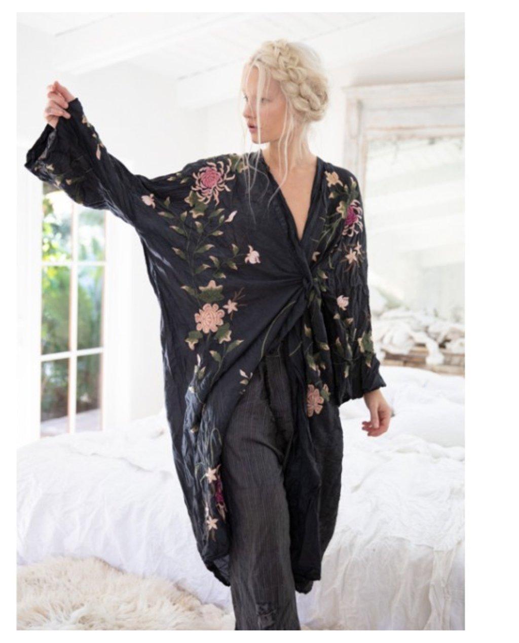 Magnolia Pearl   Bonita Kimono   Midnight