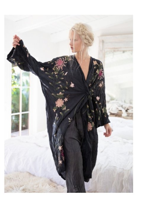 Magnolia Pearl | Bonita Kimono | Midnight
