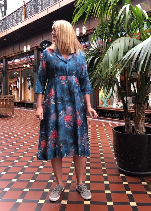Jiva | 1950s-style Tea Dress | 100% Pure Silk | Blue Floral