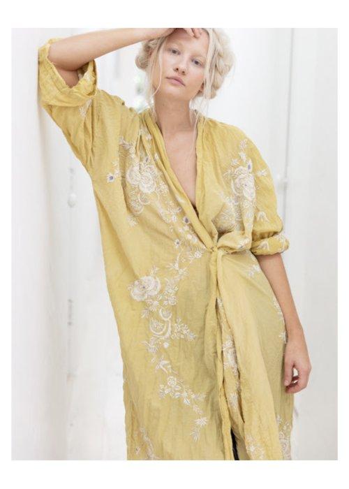 Magnolia Pearl | Vijji Kimono | Canary